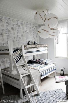 kerrossänky,lastenhuone,makuuhuone,valoisa,avara