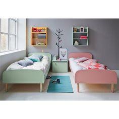 Flexa Play Kinderbed is voor de grote peuters die al op weg zijn naar de basisschool en grote jongens en meisjes. Dit is namelijk een heus stoer eenpersoonsbed! Door de speelse vormen en afwerking een echte design aanwinst voor iedere kinderkamer.