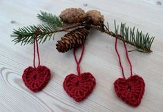 ~ Little hearts ~ Swedish Christmas Decorations, Scandinavian Christmas, All Things Christmas, Red Christmas, Crochet Christmas Ornaments, Crochet Gifts, Homemade Christmas, Yarn Crafts, Crochet Projects