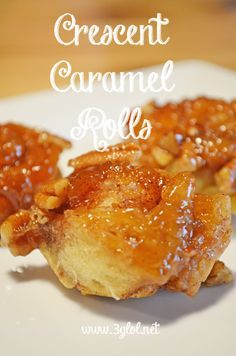 Crescent Caramel Rolls. Easy sweet weekend breakfast for all ages using refrigerated crescent rolls. #caramelrolls #crescentrolls #sweetbreakfast www.3glol.net
