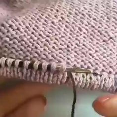 Gráficos e receitas de tricô e crochê haken aan breiwerk Baby Knitting Patterns, Knitting Stiches, Knitting Videos, Easy Knitting, Knitting Projects, Crochet Stitches, Knitting Yarn, Irish Crochet, Knit Crochet