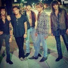 Bon Jovi takes us back to '90s fashion lolz. @bonjovi_addicted Instagram