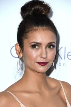 The secret to Dobrev's extra gleamy skin? Makeup artist Monika Blunder dusted a mix of Incandescent and Radiant Light illuminating powder from Hourglass's Ambient Lighting Palette along the tops of cheekbones and beneath the eyes.