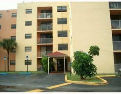 8185 NW 7 ST Miami FL 33125