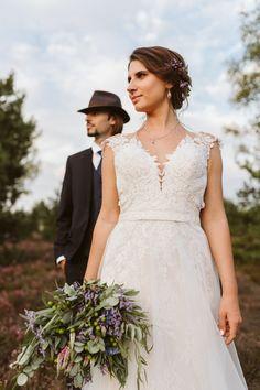 Sesja plenerowa - Fotografia ślubna - Kliknij na www i obejrzyj cała sesję Lace Wedding, Wedding Dresses, Fashion, Stop It, Bride Dresses, Moda, Bridal Gowns, Fashion Styles, Weeding Dresses