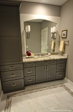 Beautiful finishes and colors in this bathroom