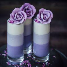 Marshmallow Mousse – Sugar et al saving because it's just so pretty! – Marshmallow Mousse – Sugar et al saving because it's just so pretty! Mini Desserts, Plated Desserts, Just Desserts, Delicious Desserts, Dessert Recipes, Yummy Food, Baking Desserts, Purple Desserts, Marshmallow Desserts