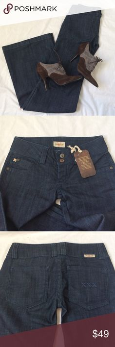 """Frankie B Jeans Broadway Boutique brand Frankie B. Size 4 """"Broadway"""" jeans. Wide leg. New with tags $202. MADE I USA Frankie B. Jeans Flare & Wide Leg"""