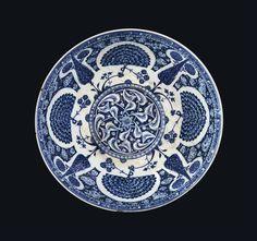 A RARE AND IMPORTANT EARLY IZNIK POTTERY BOWL OTTOMAN TURKEY, CIRCA 1510