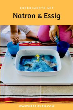 Experiment for children with baking soda and vinegar - Learn all about the bubbly natron and vinegar experiment. A simple experiment that offers long fun - Baby Zimmer, Savings Plan, Busy Bags, Christmas Scenes, Adhd Kids, Budget Planner, Vinegar, Cool Kids, Baking Soda