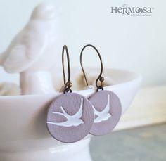 Keramik Ohrringe mit Schwalbe, Rockabilly Schmuck / ceramic earrings with swallow made by Hermoosa via DaWanda.com