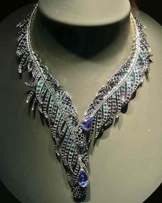 Van Cleef  & Arpels Plum de Paon necklace with sapphires, emeralds and diamonds peacock feathers