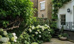 StefanoMarinaz The Elegant Outdoors, Alexander Square (Courtyard) – London