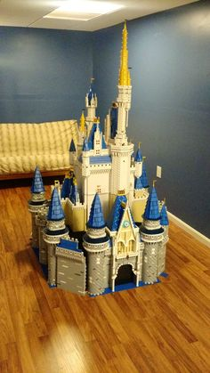 There are 50,000 Lego bricks in this stunning replica of Disney's Cinderella Castle