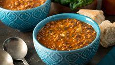 Sýta šošovicová polievka   Recepty.sk Curried Lentil Soup, Vegan Lentil Soup, Lentil Soup Recipes, Lentil Stew, Lentil Curry, Crock Pot Recipes, Plat Vegan, 5 Ingredient Recipes, Healthy Comfort Food