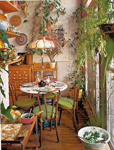 Rustic Home Interior Leafy dining. Storage A House and Garden Book Melinda Davis Pantheon Books New York Home Interior Leafy dining. Storage A House and Garden Book Melinda Davis Pantheon Books New York 1978 Deco Retro, Deco Boheme, Aesthetic Room Decor, Dream Apartment, Home And Deco, Dining Room Design, Dining Nook, Dining Set, Dining Table