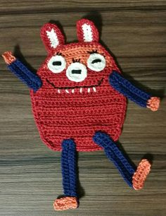 Aplique 5: Série Monstros em Crochet.