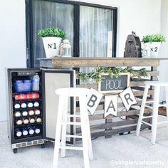 Pool Bar, Deck Bar, Patio Bar, Portable Outdoor Bar, Diy Outdoor Bar, Outdoor Seating, Building A Home Bar, Fridge Decor, Diy Home Bar
