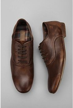 i love the way an old, worn pair of oxfords looks on a man!
