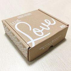 Custom Printed Mailer Box,Recycled Kraft Folding Box,Corrugated Shipping Box - Buy Shipping Box,Shipping Box,Shipping Box Product on Alibaba.com Corrugated Box, Custom Printed Boxes, Custom Boxes, Kraft Box Packaging, Packaging Design, Mail Jeevas, Kraft Boxes, Box Patterns, Wraps