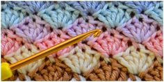 Learn how to crochet shell stitch. The shell stitch is a fairly simple stitch that creates an intricate shell pattern. You can work it in rows, in the round, or as a blanket edging. Projects for guys Crochet Shell Stitch - Learn To Crochet Crochet Star Stitch, Col Crochet, Easy Crochet Stitches, Gilet Crochet, Crochet Stitches For Beginners, Tunisian Crochet, Afghan Crochet Patterns, Crochet Videos, Learn To Crochet