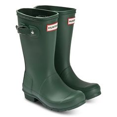 Simple, smart and stylish, the classic green wellies from Hunters keep their feet snug while winning on the style stakes too. With the label's iconic branding and durable tread, they will step out into the elements in confidence.  - Outer: Other Materials, Lining: Textiles, Sole: Other Materials Please note that when you purchase shoes for your child, you should select a size that is 15mm larger than your child's foot. Wellies and boots should be up to 20mm larger, for extra socks and inso Green Wellies, Hunter Green, Dog Walking, Hunter Boots, Best Dogs, Rubber Rain Boots, Snug, Branding, The Originals