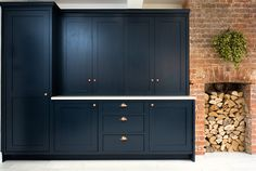 Blue Shaker Kitchen - Bespoke handmade wood kitchens by Maple and Gray Kitchen Family Rooms, New Kitchen, Kitchen Ideas, Blue Shaker Kitchen, Dark Blue Kitchens, American Fridge, Kitchen And Bath Design, Handmade Kitchens, Tall Cabinet Storage