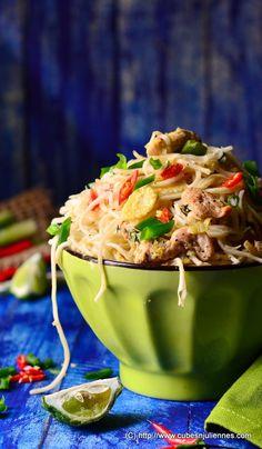 Cubes N Juliennes: Thai Lemon Grass Chicken Noodles