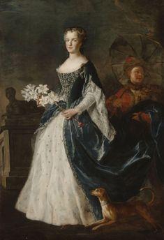 "Alexis Simon Belle, ""Portrait of Maria Leszczynska"" (wife of Louis XV of France), 1726 (Palace of Versailles) European Dress, European Fashion, French History, Art History, Historical Costume, Historical Clothing, European Costumes, Luis Xiv, French Royalty"