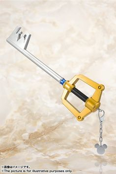 PROPLICA Key Blade Kingdom Chain from Kingdom Hearts starts preorder! Built-in sounds such as attack and magic triggers. In huge size 950mm!    View here: http://www.blacknovatoys.com/proplica-kingdom-hearts-key-blade-kingdom-chain.html #KingdomHearts #Disney