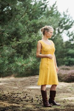 RESERVED Vintage jaren 60/60s jurk gehaakte jurk okergeel wol ceintuur gehaakte zomerjurk Maat S Maat M Small Medium