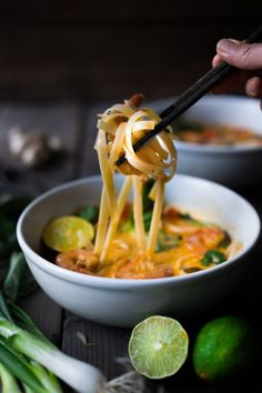 CURRY NOODLE SOUP (Khao Soi) Fast and flavorful, this 15 Minute Northern Style, Thai Coconut Noodle Soup called, Khao Soi is so easy to make! A rich fragrant broth w/ either shrimp, tofu or chicken. Soup Recipes, Dinner Recipes, Cooking Recipes, Thai Cooking, Asian Recipes, Healthy Recipes, Ethnic Recipes, Healthy Dinners, Noodle Soup