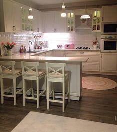 Esra lady's nostalgic breezes, the identity of the heartwarming house . - Mutfak - Home Sweet Home Kitchen Room Design, Home Decor Kitchen, Interior Design Kitchen, Country Kitchen, Home Kitchens, Bar Kitchen, Kitchen White, Sweet Home, Cuisines Design