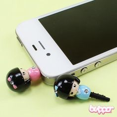These cute little Kokeshi earphone jack charms are perfect for cheering up your mobile phone. Just plug the charm into the 3.5mm headphone jack of any phone, tablet, game console or MP3 player.