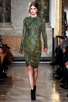See the complete Emilio Pucci Fall 2011 Ready-to-Wear collection.