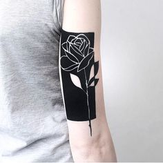 Fully healed on thanks for stopping by the new studio you guys are awesome cant wait till your back ! Tasteful Tattoos, Cute Tattoos, Body Art Tattoos, Sleeve Tattoos, Tattoos For Guys, Foot Tattoos, B Tattoo, Piercing Tattoo, Tattoo Rosas Negras