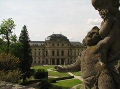 Elegant Unter Dunklen Wolken Botanischer Garten in W rzburg Orte in W rzburg Pinterest