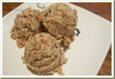 Raw Almond Cookes