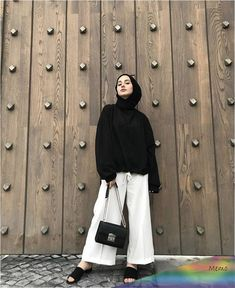 # cmépinglé par ❃❀CM❁✿⊱ - Another! Modern Hijab Fashion, Street Hijab Fashion, Hijab Fashion Inspiration, Muslim Fashion, Modest Fashion, Hijab Fashion Summer, Boho Fashion, Casual Hijab Outfit, Hijab Chic