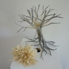 Last November, we had a chance to meet up with French artist Vincent Floderer, at his home and studio in southwestern France. I had always wanted to meet Vincent – his crumpling techniques an… French Artists, Dandelion, Flowers, Plants, Abstract Sculpture, Shibori, Quadrilateral, Dandelions, Plant