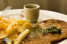 Delicioso y rico churrasquito de seitán. Lo puedes cocinar asado, frito, susado de la forma que gustes.  Encuéntranos en Facebook e Instagram :)