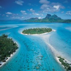Tahiti is the larges island of the 118 islands and atolls that make up what is called French Polynesia