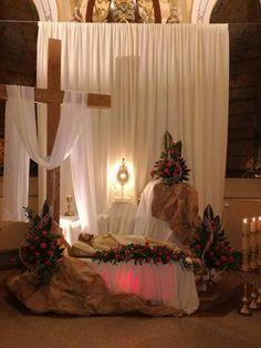 Semana santa Lent Decorations For Church, Beautiful Good Night Images, Holy Thursday, Altar Flowers, Home Altar, Church Events, Palm Sunday, Church Design, Eucharist