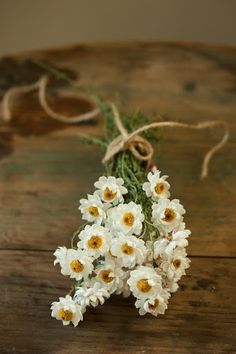 Sweet, twine-wrapped country bouquet