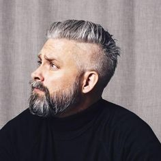 42 Hairstyles for Men with Silver and Grey Hair - Men Hairstyles World Silver Fox Hair, Short Silver Hair, Short Grey Hair, Long Hair, Beard Styles For Men, Hair And Beard Styles, Hair Styles, Grey Hair Men, Gray Hair