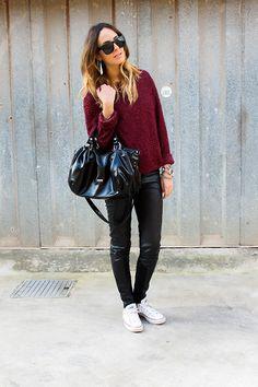 White converse and black leggings