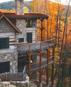 Winterwoods Luxury Log and Timber Frame Homes. Another one that reminds me of the double decks at Mohonk Mountain House Style At Home, Future House, My House, Cliff House, House Inside, House Front, Timber Frame Homes, Log Cabin Homes, Log Cabins