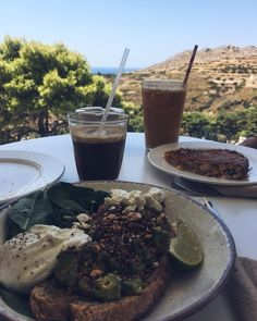 Breakfast with a view!  •  •  •  •  •  •  •  #breakfast #brunch #eeeeeats #foodlover #travel #greece #vscocam #weekend #fashionblogger #talkingaboutf