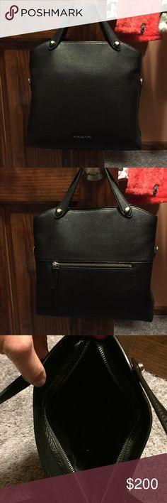 """Michael Kors Handbag Michael Kors Handbag excellent condition comes with shoulder strap brand new """"Hyland"""" MD CONV MSGR LEATHER Michael Kors Bags"""