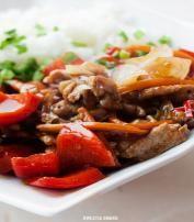Wieprzowina po chińsku z ryżem